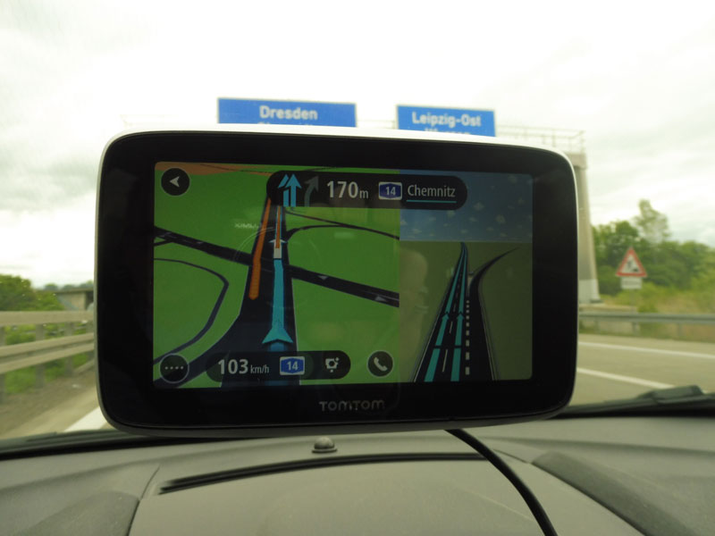 tomtom-go-premium-richtige-ausfahrt-auf-autobahn-nehmen