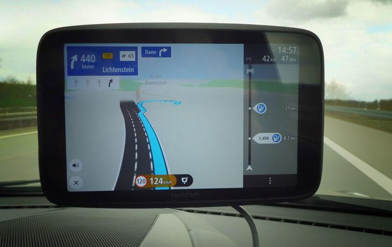 TomTom Go Discover 7 Zoll Autobahnausfahrt nehmen