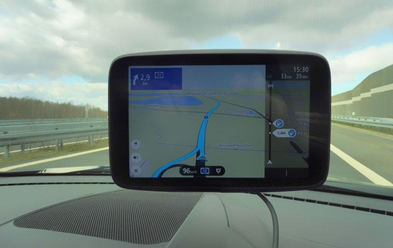 TomTom Go Discover günstige Tankstelle auf der Route