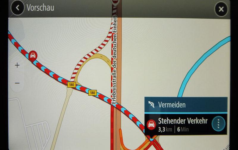 TomTom Go Discover 7 Zoll Information zum Stau durch Anklicken