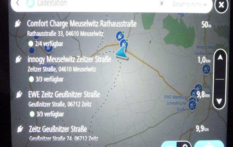 TomTom Go Discover 7 Zoll mit Ladestation für Elektrofahrzeuge