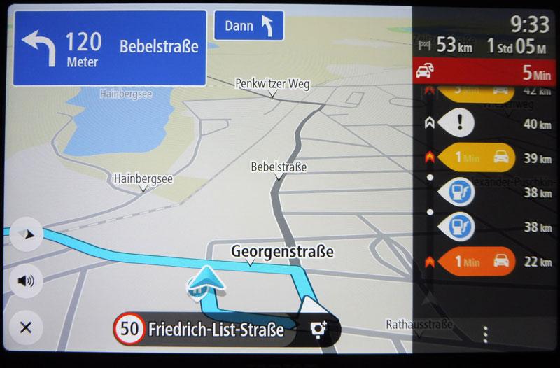 TomTom Go Discover mit Verkehrsstörungen auf der berechneten Route