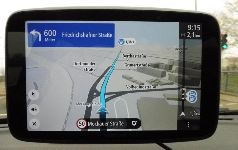 TomTom Go Discover 7 Zoll günstige Tankstelle auf der Route